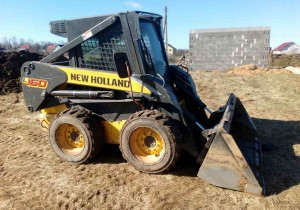 Мини-погрузчик New Holland l 160 (ковш, вилы, гидромолот, ямобур)